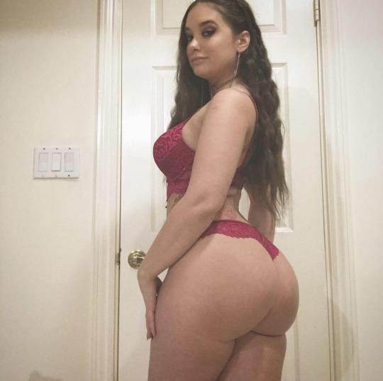 Come get a taste incall or outcall available now