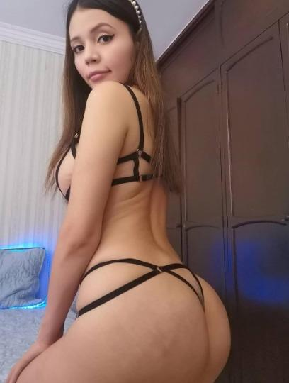 Every Man s Fantasy Juicy N Tigh Suck My Nipples Fuck Me Hard InCall OutCall And Carcall availble 24 7