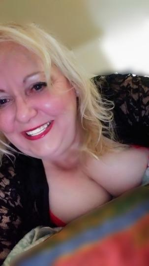 MATURE BBW PROVIDER ONLY IN TOWN TONIGHT