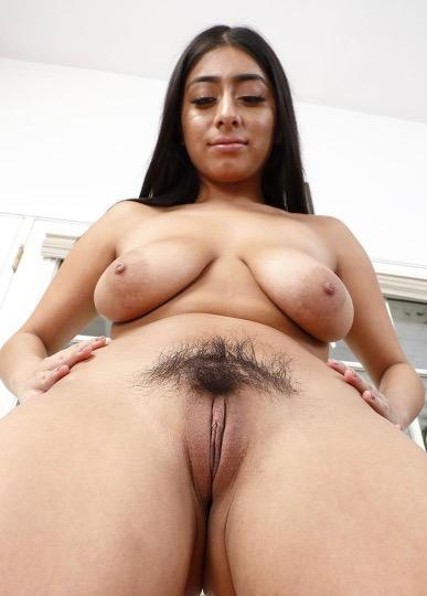 I m Jen supper Sexy and Hot for incall & outcall & Carplay i can do facetime fun and sell my hot video and sex chat at cool rate snap chat farnkm26
