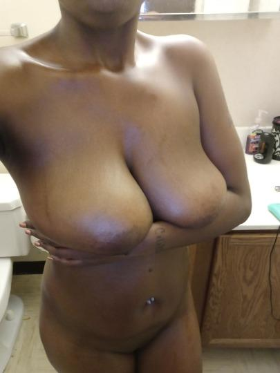 bigg tittie hoe coming for your 💕 - 23,443-338-0979,female escorts
