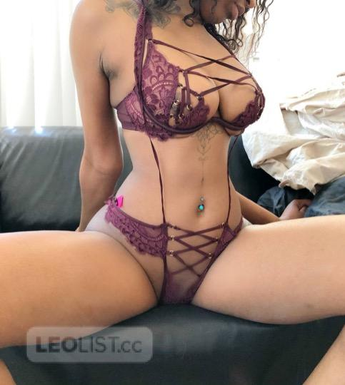 Ebony GTA Toronto INCALLS OUTCALLS DUOs Avaliable SexySlim Kianna Ready To Party And Satisfy You