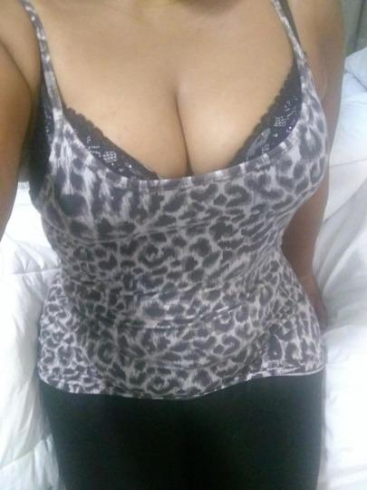 Escort 587-404-5623 Whyte Ave  escortalligator