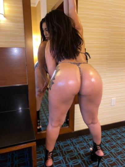 Sexy Young Latina Available in Santa Cruz And Monterey County For Outcalls