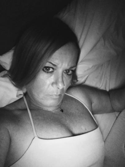 I m all alone on a Friday night Do you want to help keep me from being bored
