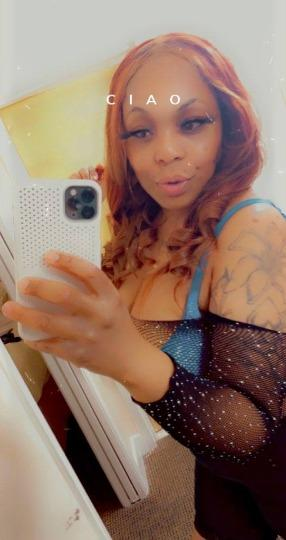 Young sexy girl available for your desires waiting for Incall outcall Car call Available 7 -