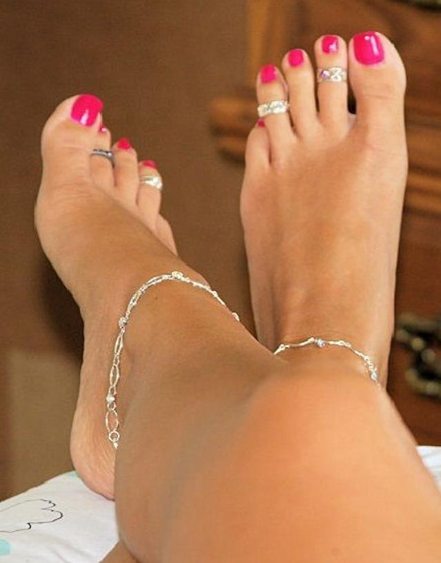 Sexy womens toes, raping virgin girls porn