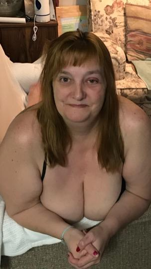 52 Bbw Sexy and Adventours Are you wanting excitment Text message only please